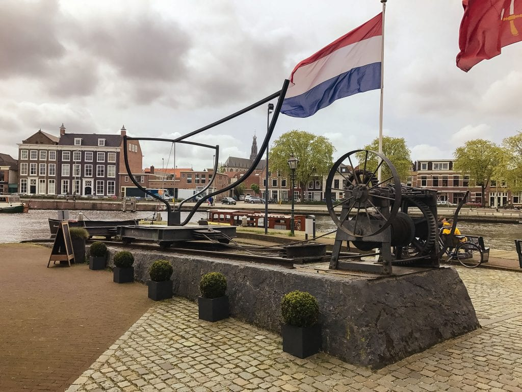 artist's representation of the shipyard outside de Adriaan Windmill