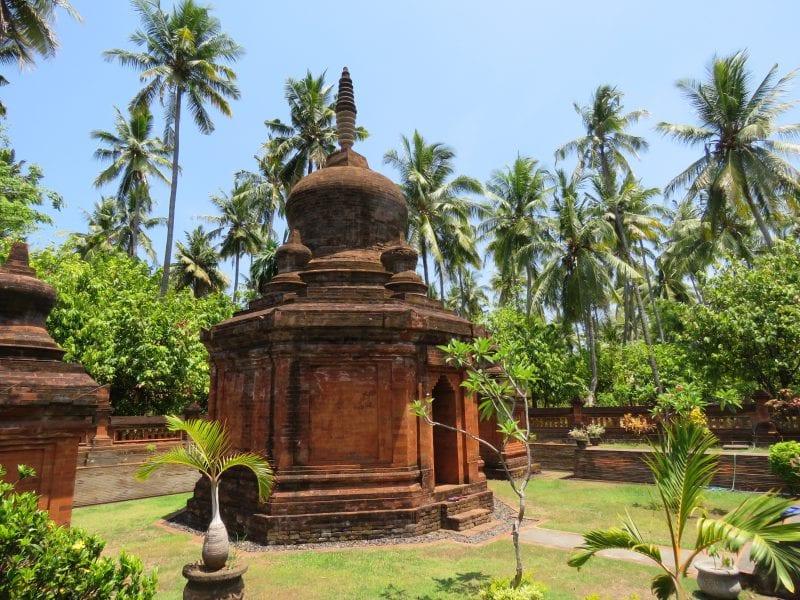 Candi Buddha Kalibukbuk