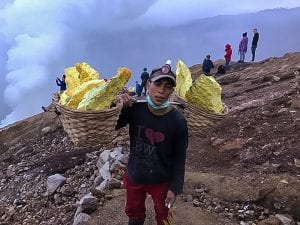 Sulphur miner on Ijen volcano | The Silver Nomad