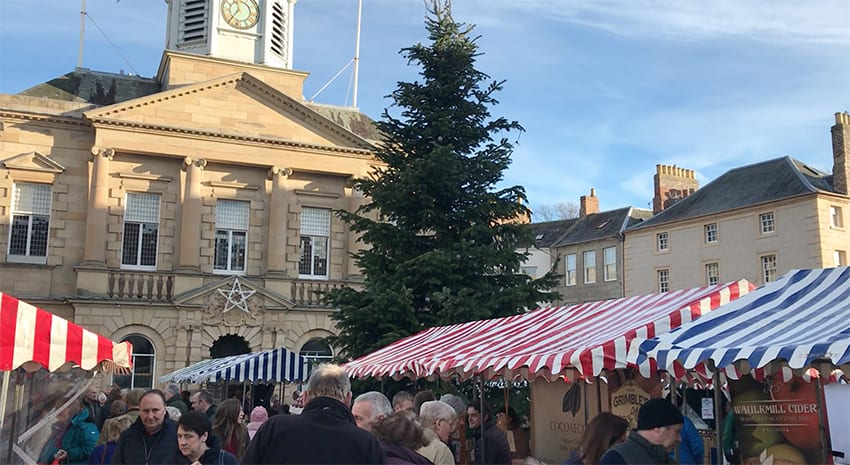 The stalls at Kelso Christmas Farmers' Market in Kelso Square