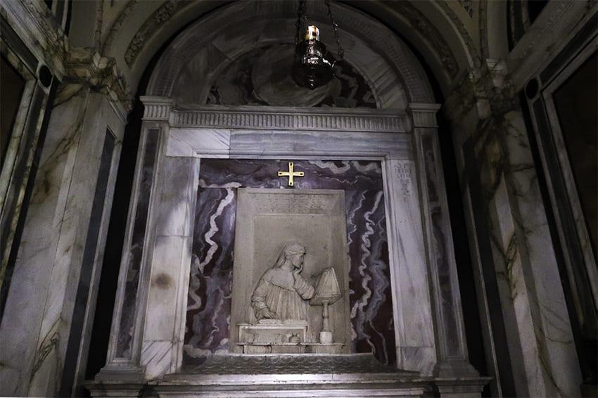 Inside Dantes Tomb in Ravenna