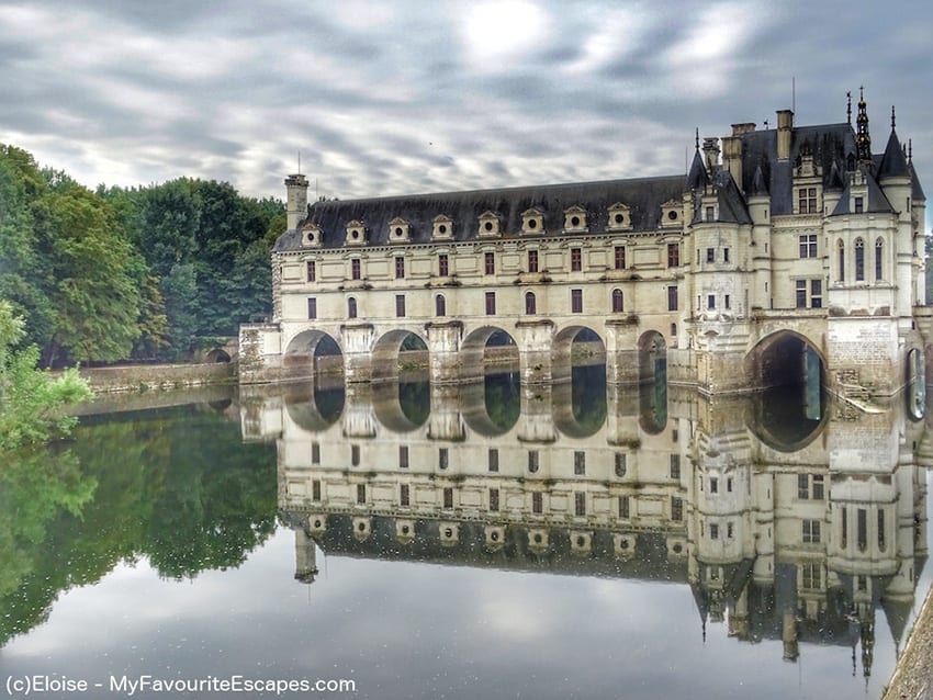 Chenonceau Castle reflected in the lake