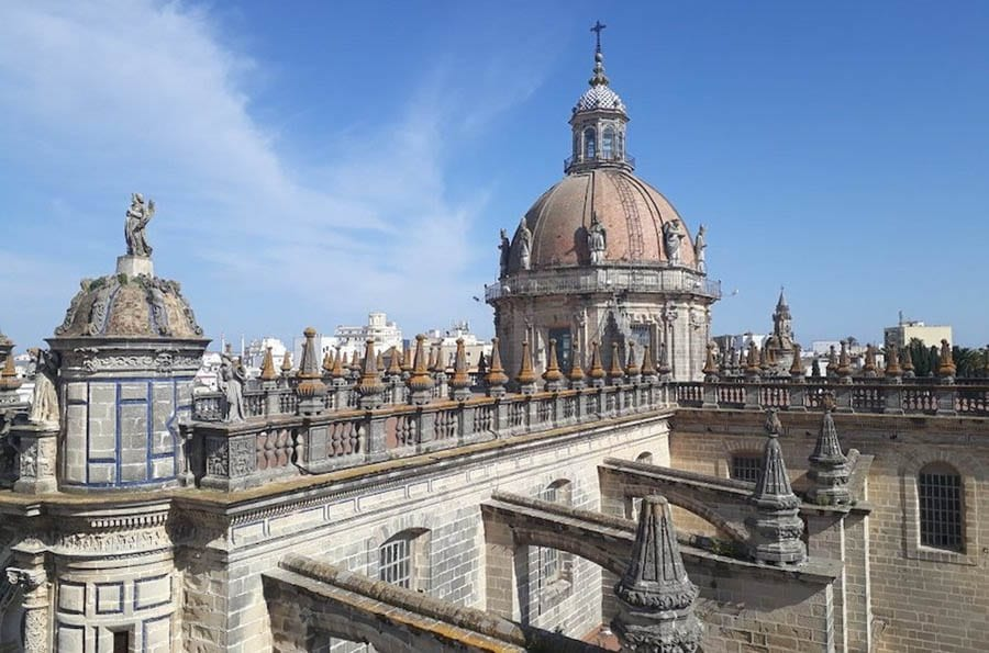 Image of the parapets of Jerez de la Frontera Cathedral